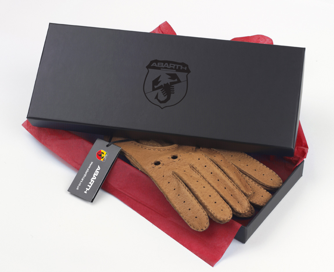 Abarth-brand-presentation-box-design-gloves